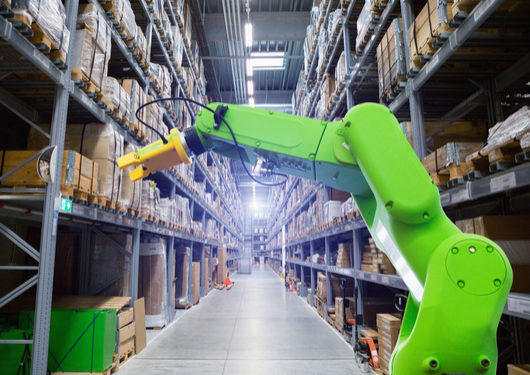 Robots on Warehouse Floor Show a Surprise Perk of Hot Job Market