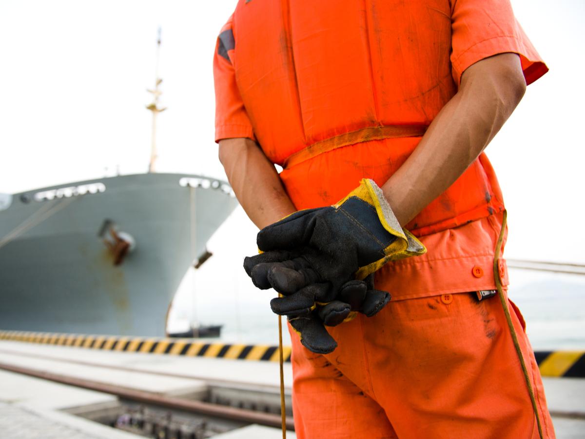 0928_portworkersplanstrike