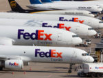 Ahead of Holidays, FedEx Leans on Bonuses to Keep Pilots From Retiring
