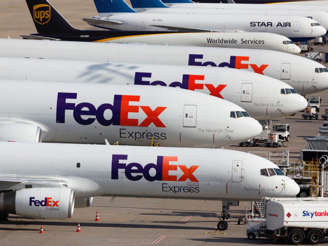 Ahead of Holidays, FedEx Leans on Bonuses to Keep Pilots From Retiring