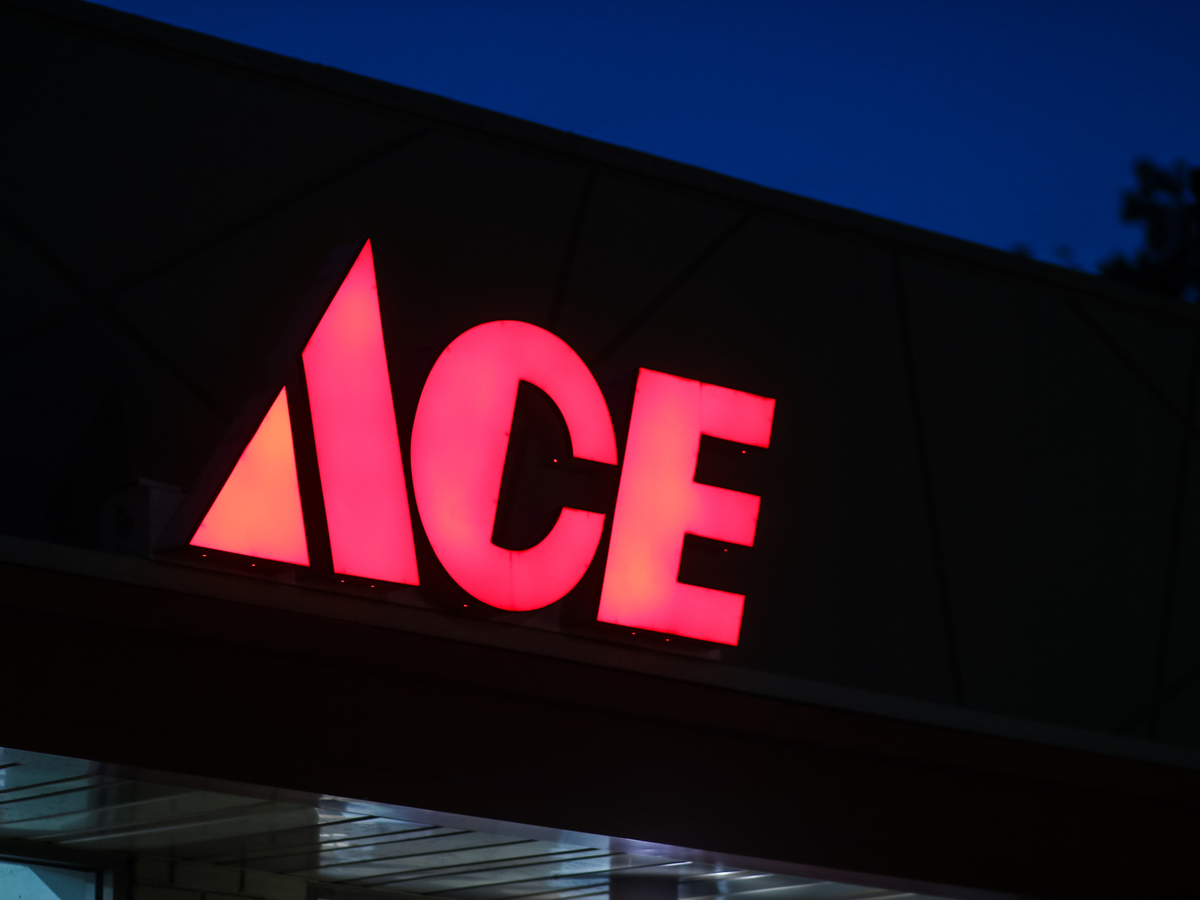 Ace Hardware Nails Global Operations' Replenishment Costs | 2018-10
