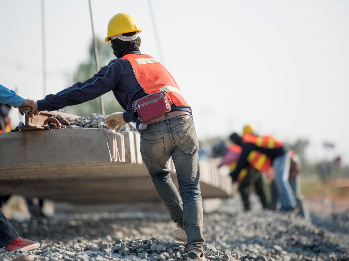 0321 constructionsslowdigitaltransition
