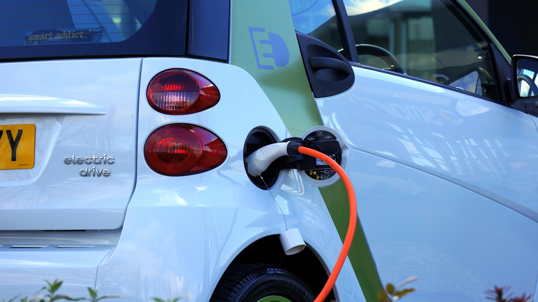 0419  electriccarmakersface