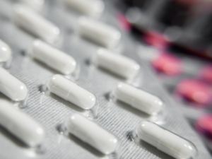 Heart-Drug Suppliers for Millions Faulted Over Data, Bugs, Dirt