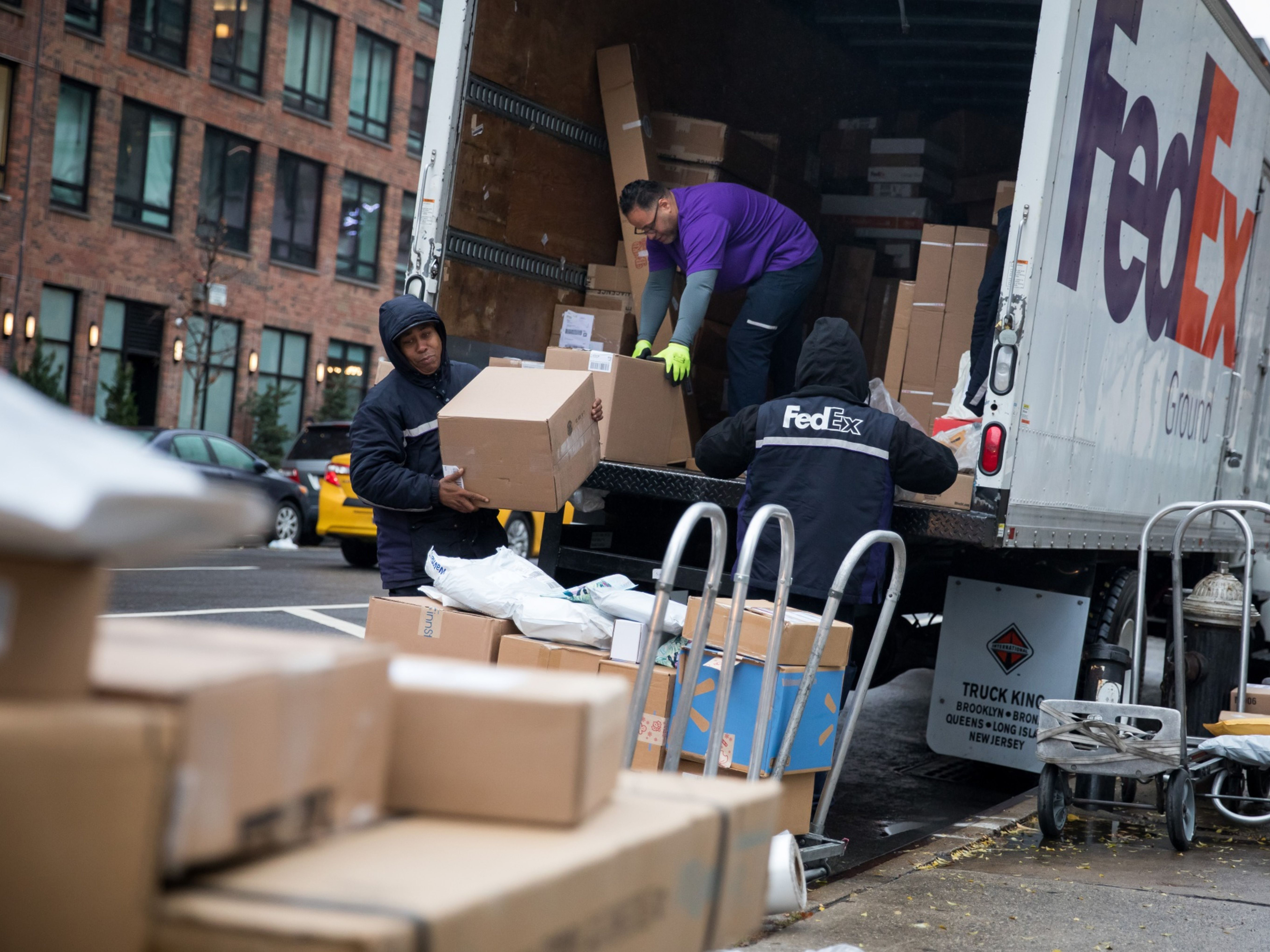 FedEx Has a Plan to Battle Amazon Shipping, CEO Says