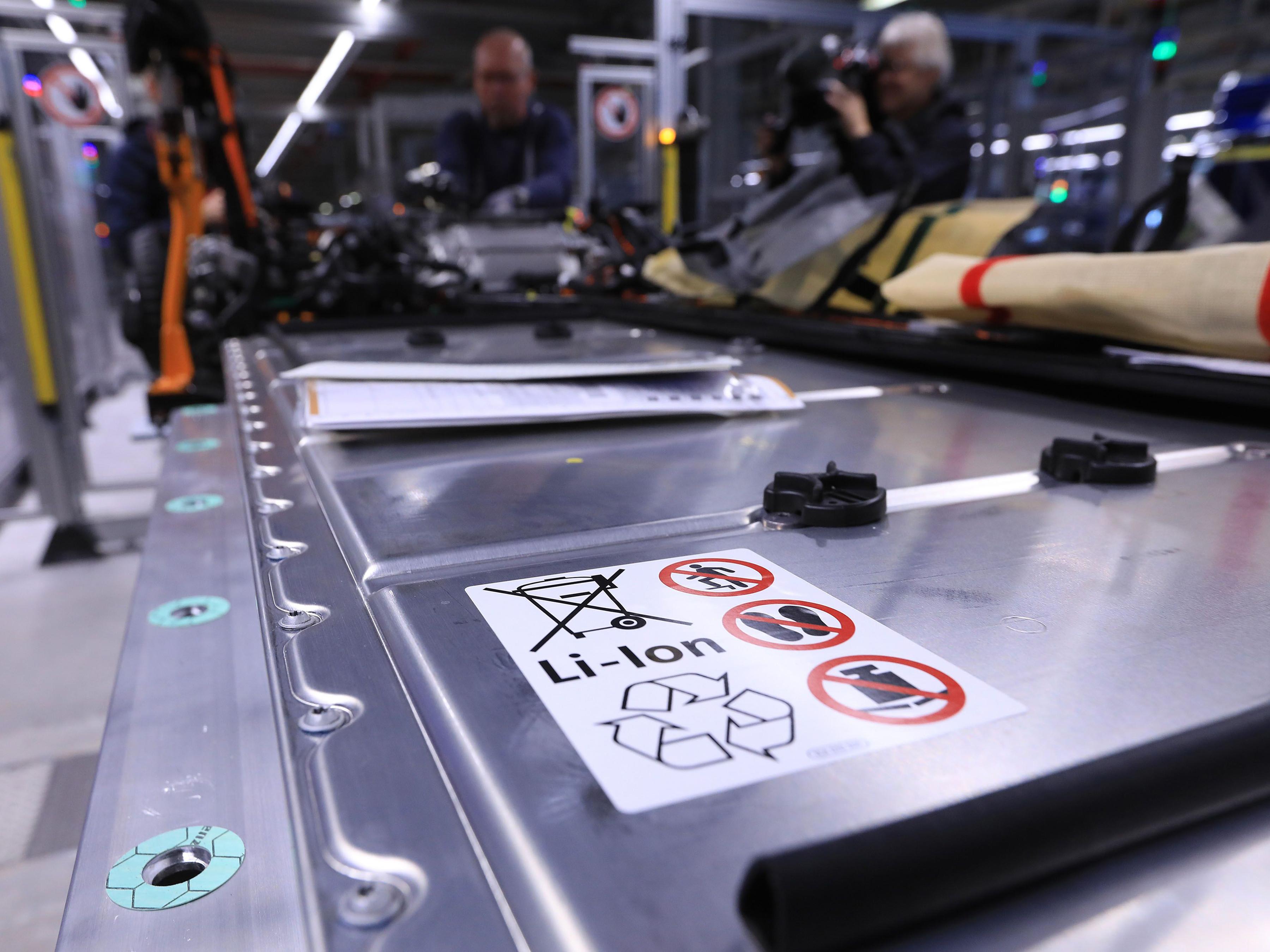 0221 racetodominatecarbatteries