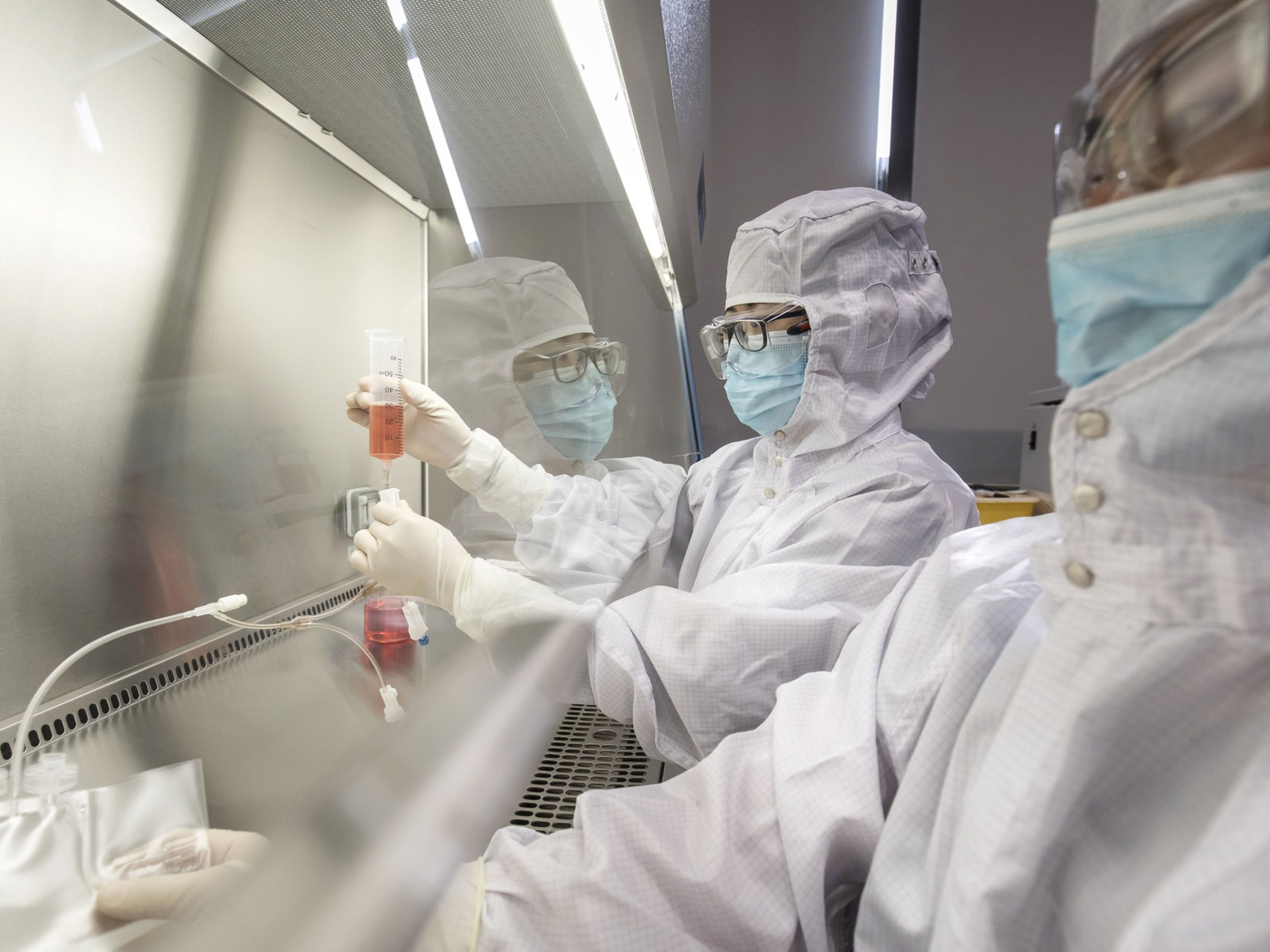 Despite Testing Improvements, U.S. Labs Face Endless Logistical Failures
