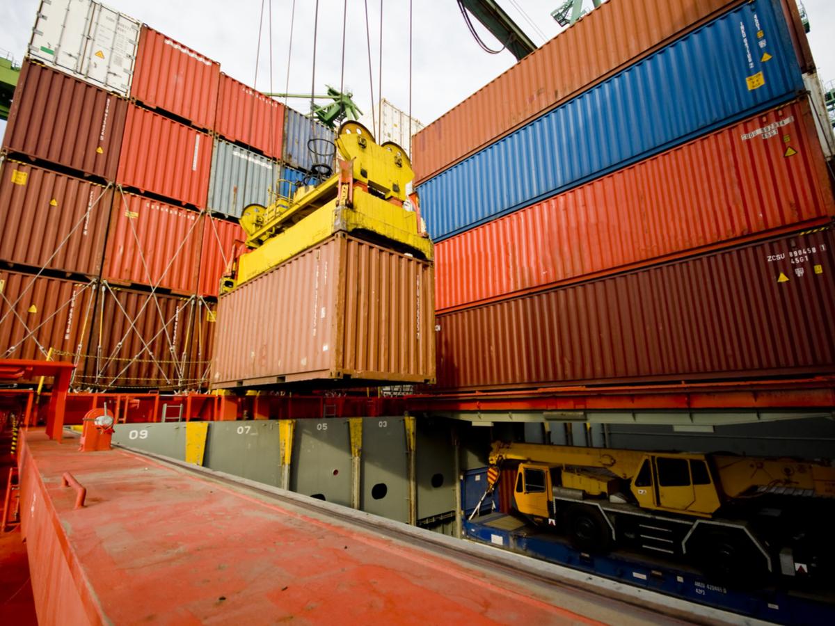 0423 globalcontainershipments