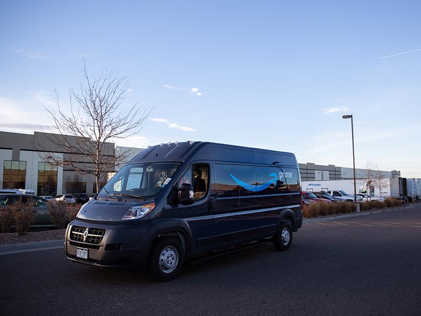 Amazon Buys Electric Mercedes Vans in Green Effort | 2020-08-31 ...