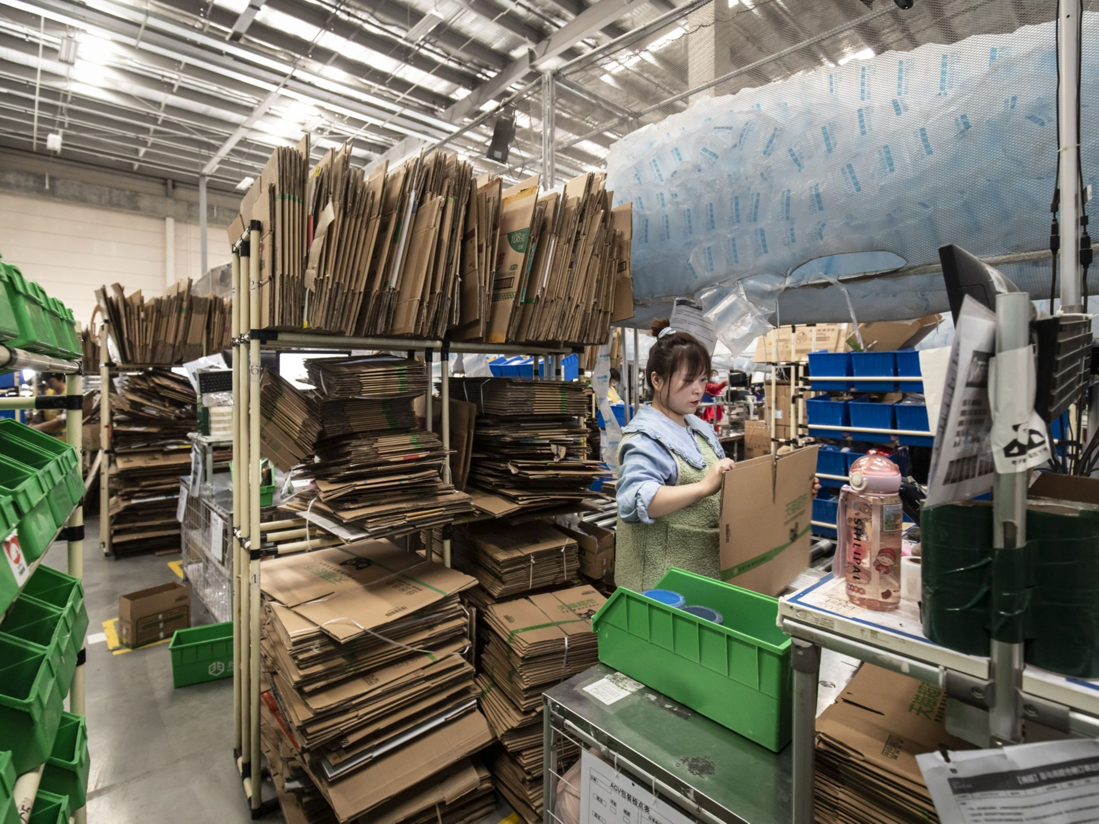 China's Online Shopping Addiction Is Killing Its Green Packaging Drive