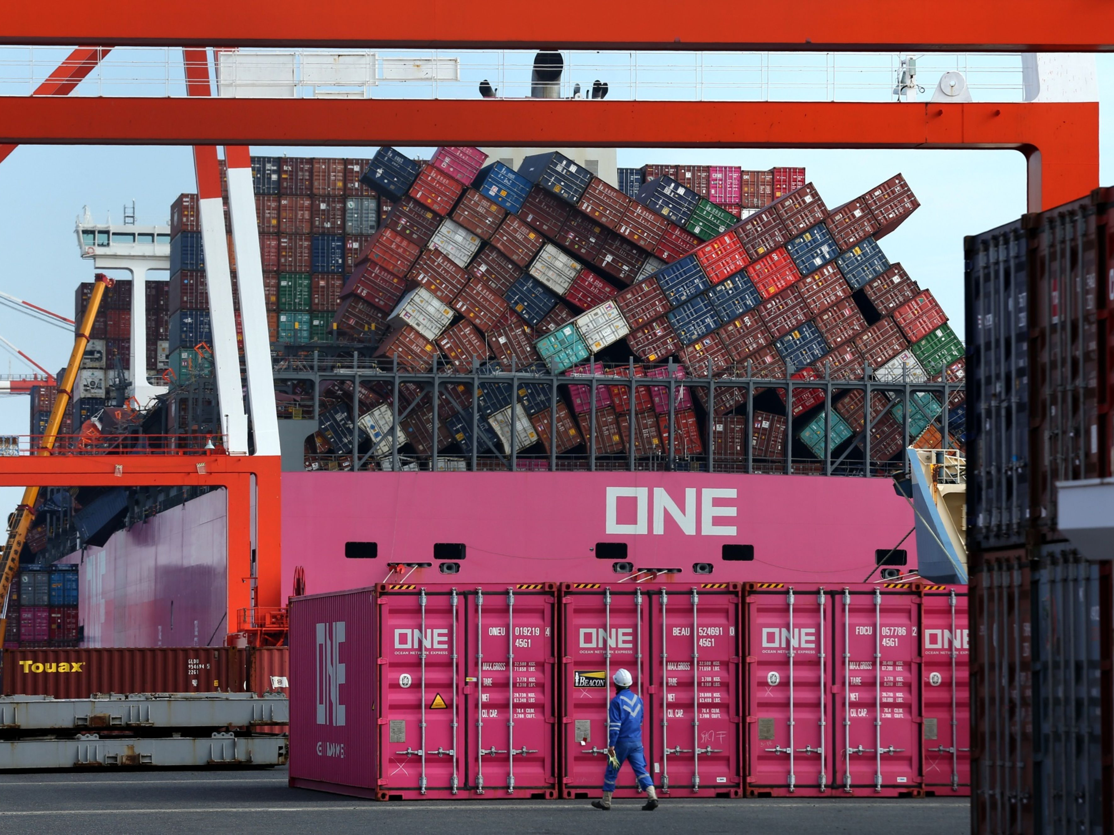 0308 oneapuscontainership